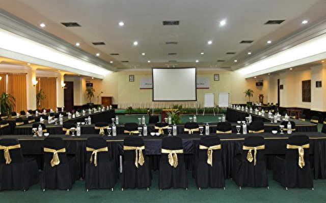 Singgasana Hotel Surabaya 5