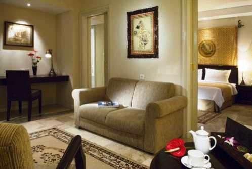 The Phoenix Hotel Yogyakarta 4