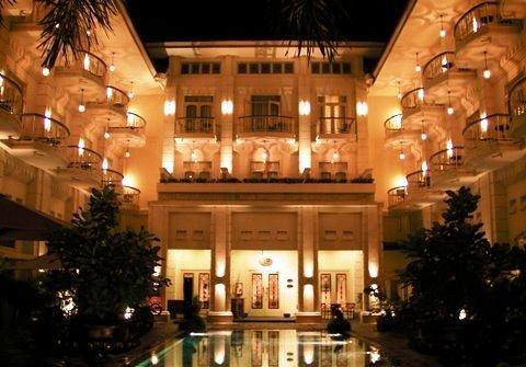 The Phoenix Hotel Yogyakarta 10