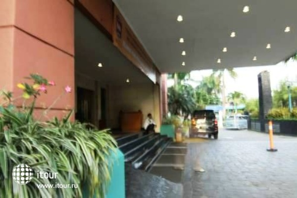 Ibis Jakarta Mangga Dua 8