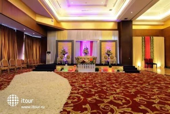 Best Western Mangga Dua Hotel And Residence 6