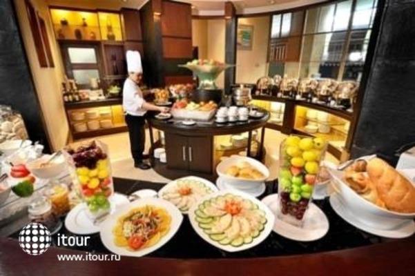Holiday Inn Bandung 4