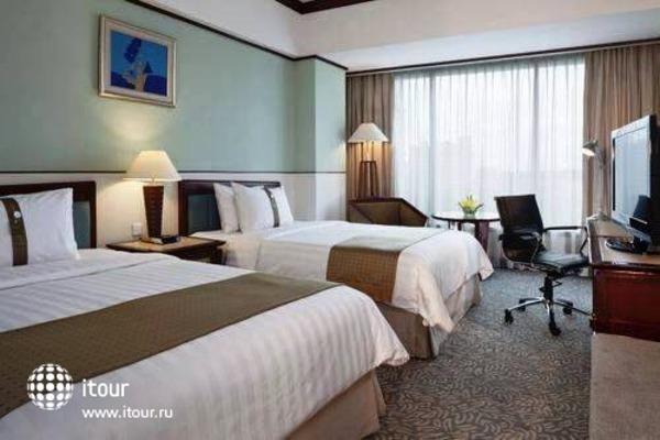 Holiday Inn Bandung 3