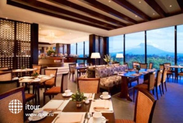 Sheraton Mustika Yogyakarta Resort And Spa 10