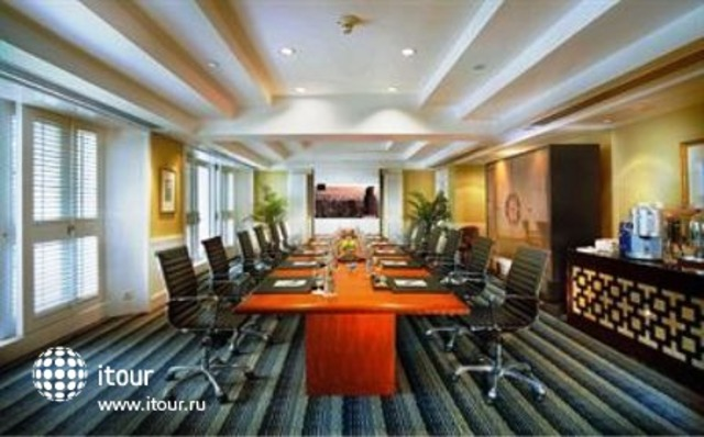 Four Seasons Hotel Jakarta 2