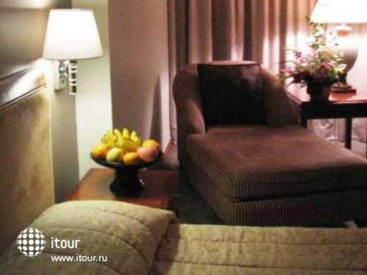 Redtop Hotel Jakarta 6