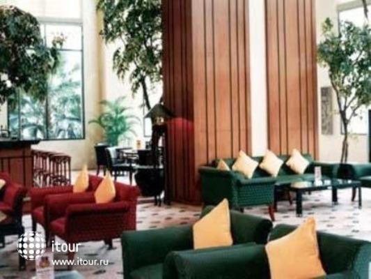 Redtop Hotel Jakarta 3