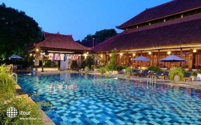 Grand Istana Rama 1
