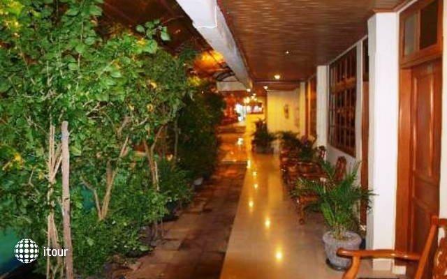 Green Garden Hotel 8