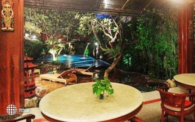 Green Garden Hotel 10