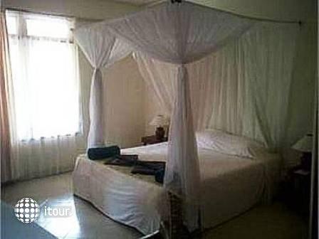 Udayana Kingfisher Eco Lodge 9