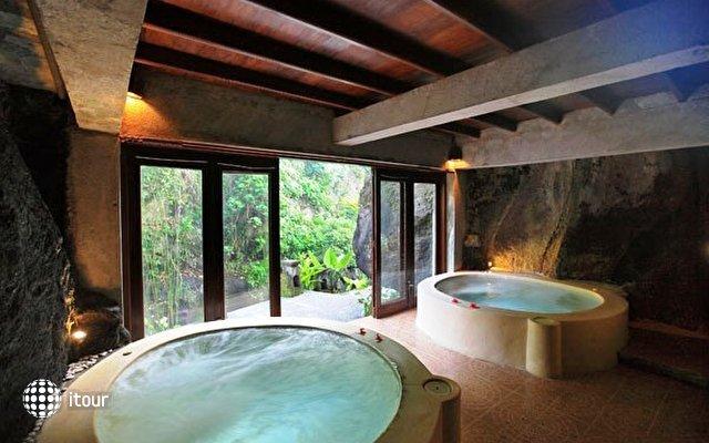 Santi Mandala Villa & Spa 10