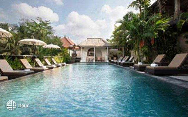 Ubud Village Hotel 6