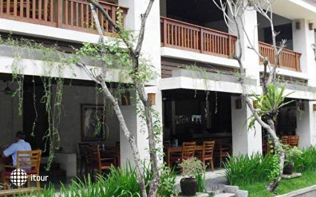 Ubud Village Hotel 1