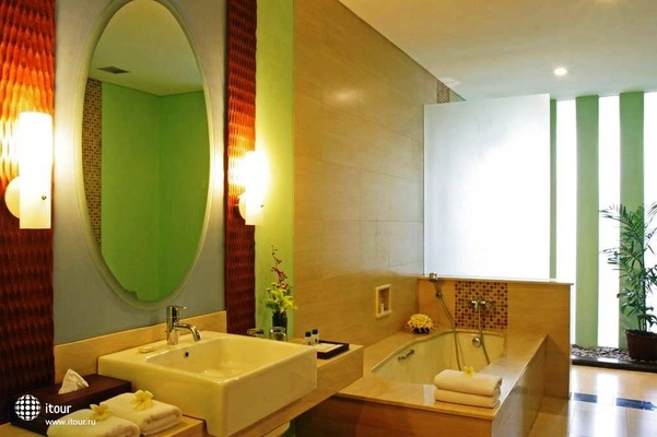 The Rani Hotel & Spa 4
