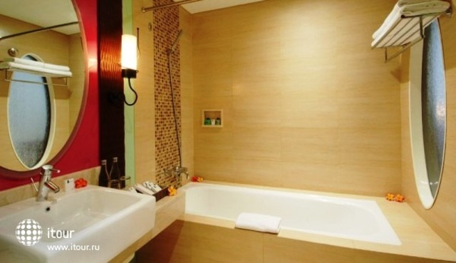 The Rani Hotel & Spa 5