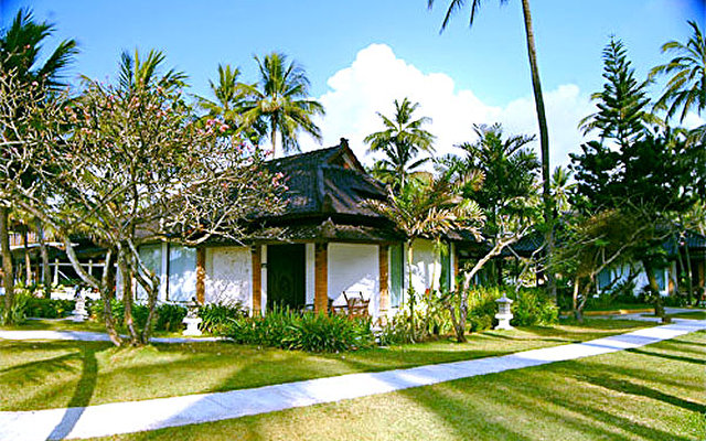 Candi Beach Cottage 1