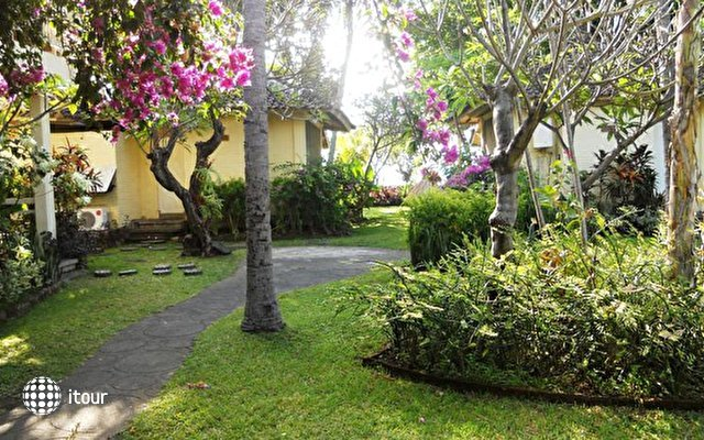 Bali Lovina Beach Cottages 7