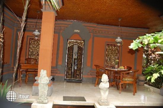 Puri Saraswati Bungalows 10