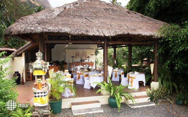 The Watergarden Hotel 2