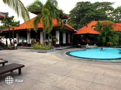 Vila Shanti Beach Hotel 1