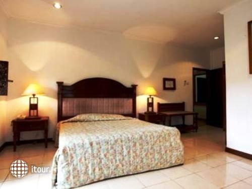 Vila Shanti Beach Hotel 4