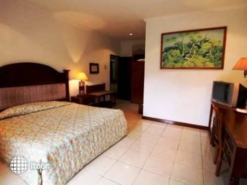 Vila Shanti Beach Hotel 3