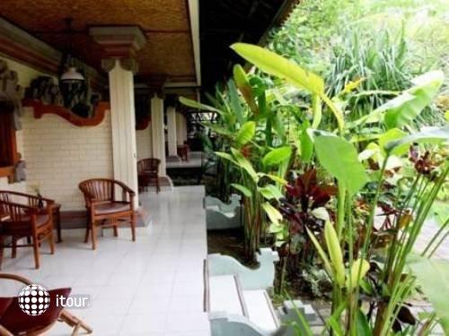Vila Shanti Beach Hotel 6