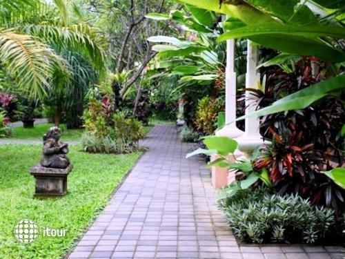 Vila Shanti Beach Hotel 7