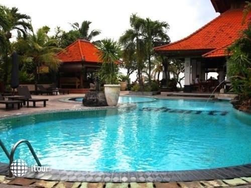 Vila Shanti Beach Hotel 10