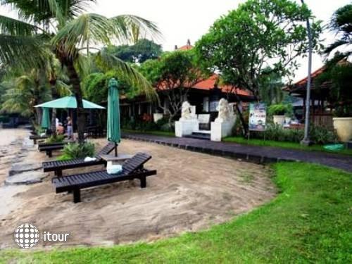 Vila Shanti Beach Hotel 2