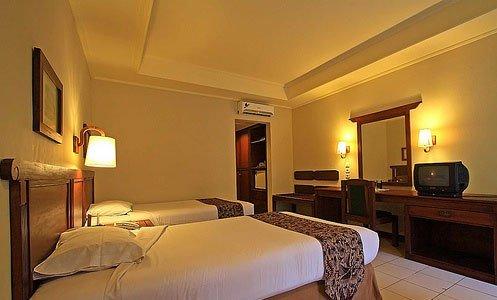 Besakih Beach Hotel 7