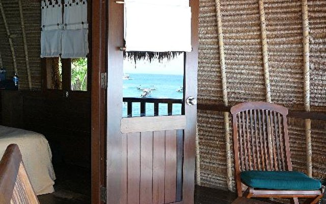 Bali Hai Tide Hut 6