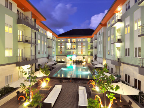 Harris Riverview Kuta 8