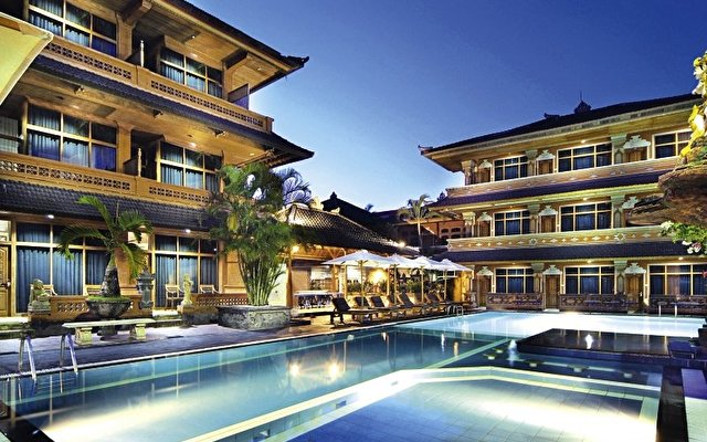 Harris Riverview Kuta 10