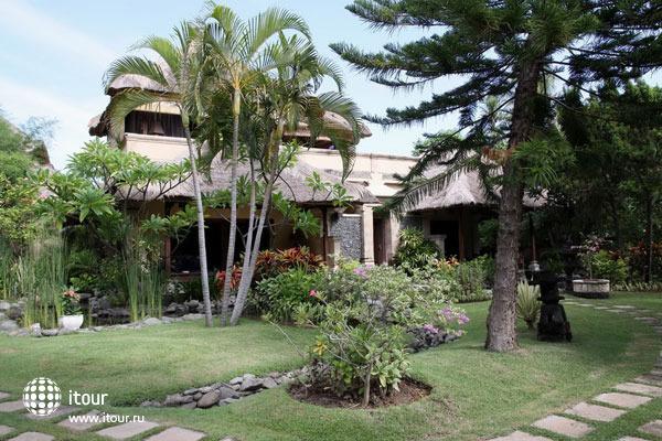 Taman Sari Bali 4