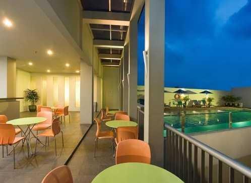 Sparks Hotel Jakarta 4