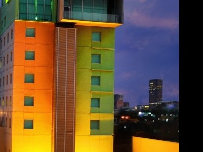 Sparks Hotel Jakarta 10