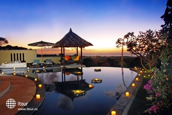 Ocean View Frangipani Villa & Spa 10