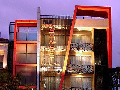 100 Sunset Boutique Hotel 2