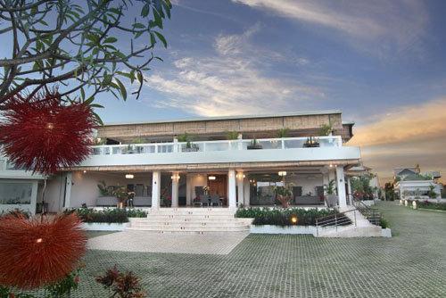 Nusa Dua Retreat Villa Resort & Spa 1