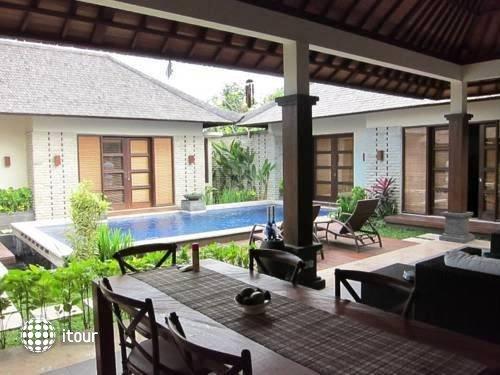 Bali Baik Seminyak Villa & Residence 5