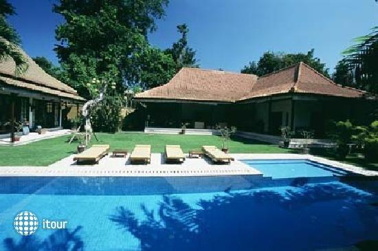 Villa Eight 1