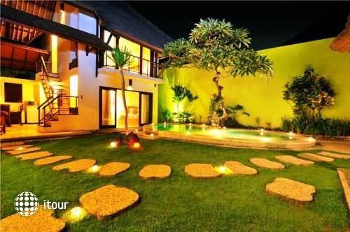 Athena Garden Hot Spring & Spa Villa 10