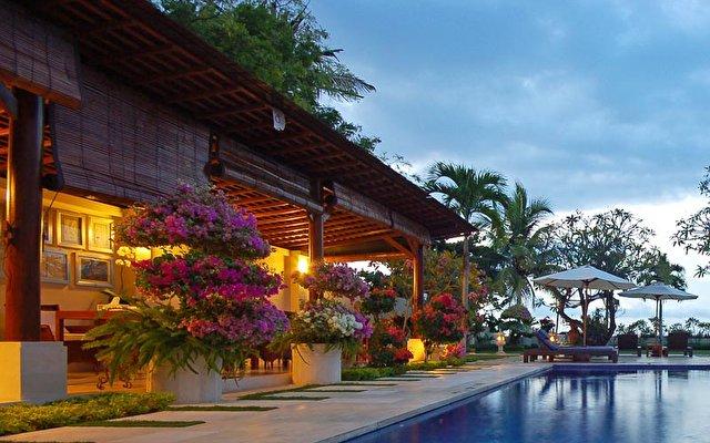 Frangipani Beach Villa 1