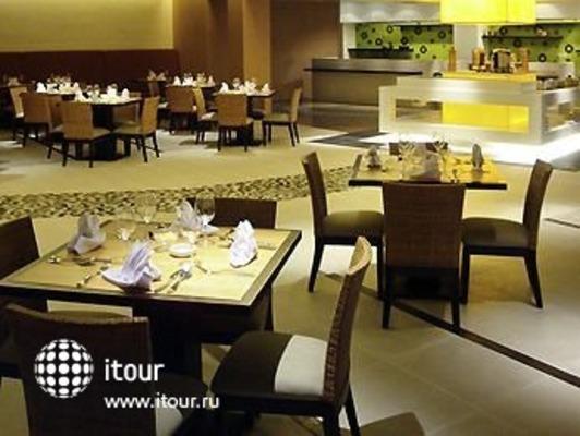 Novotel Manado Golf Resort & Convention Center 3