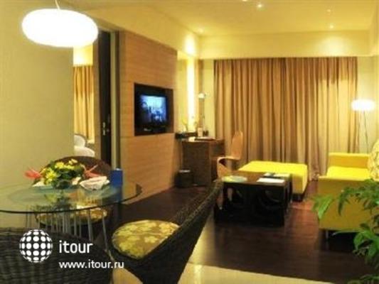 Novotel Manado Golf Resort & Convention Center 4