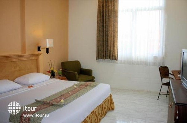 Kuta Station Hotel & Spa 9