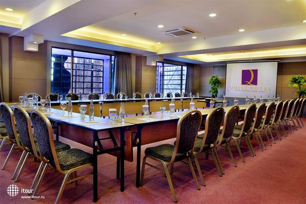 Quest Hotel Kuta Central Park 8