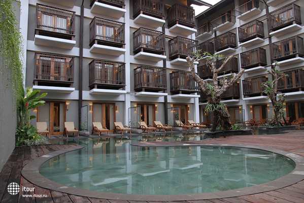 The Oasis Lagoon Sanur 1